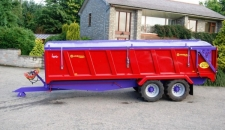 QM/16 T4U with rollover cover, air/oil brakes, 560/45 x 22.5 wheels, hydraulic door and sprung drawbar
