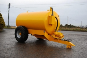 Yellow ST/1600 Slurry Tanker