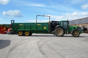 QM/14 painted John Deere green