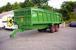 QM/14 painted Fendt green