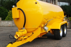 ST2550 Bespoke Tandem Axle Tanker With Yellow Paint Finish