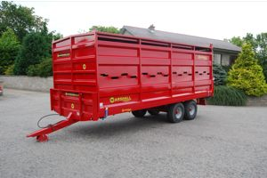 Marshall 21' steel livestock container on BC21 bale trailer