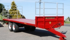 The BC/25 (12 ton) flat bale or pallet trailer with harvest ladders.